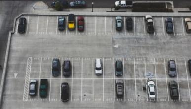 Parkingi i infrastruktura drogowa